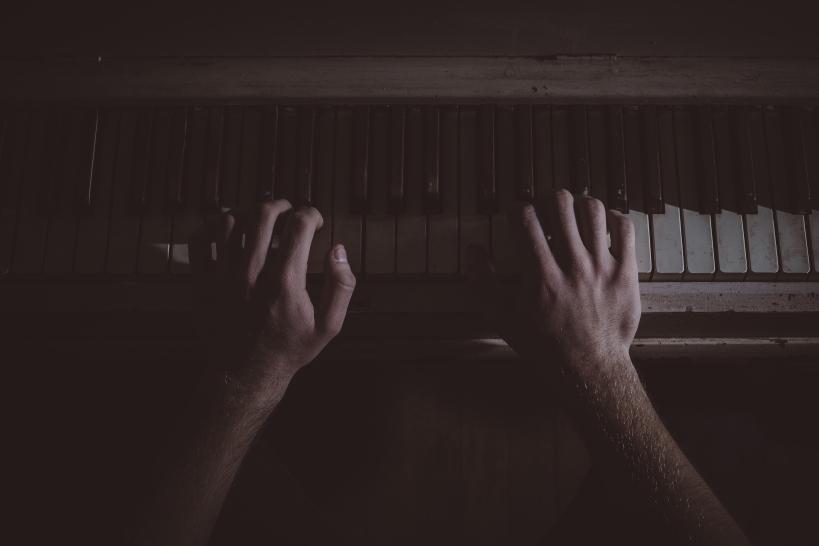 klavier hände